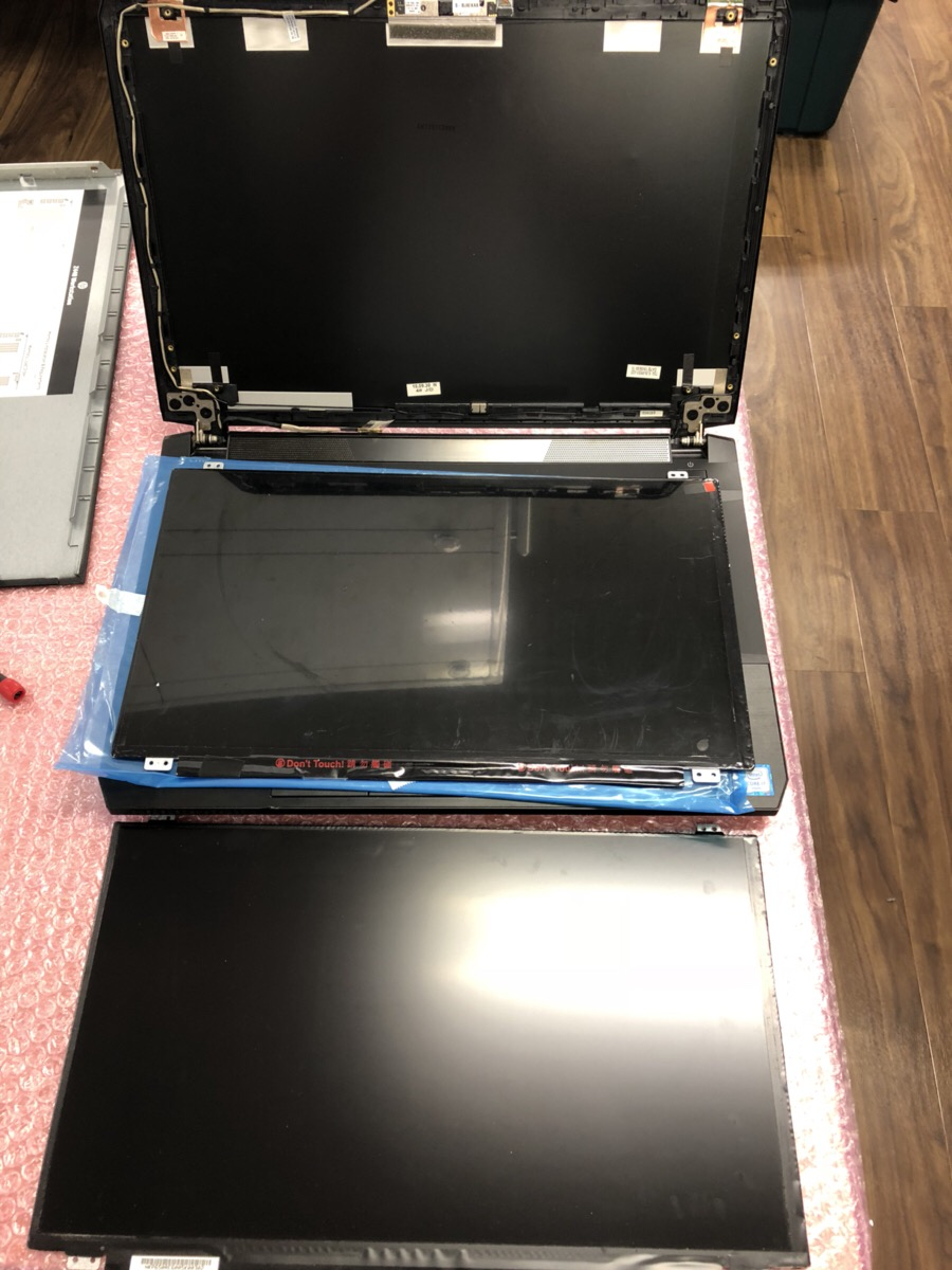 神奈川県厚木市 ノートパソコンの液晶の色がおかしい/ Windows 10のイメージ