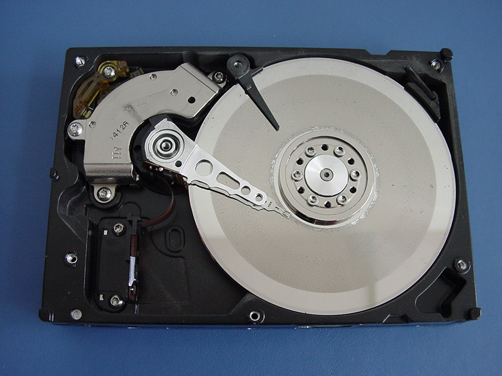 パソコンのハードディスクの故障症状や選び方などをご紹介!