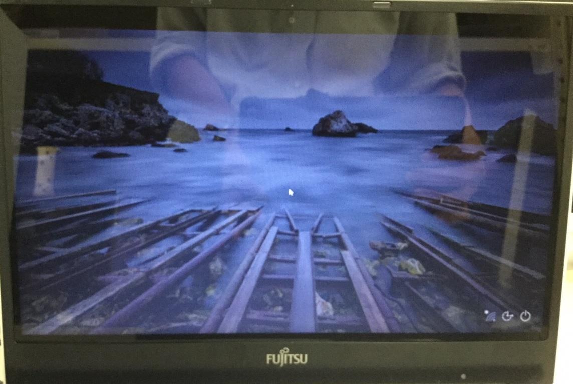 滋賀県草津市 ノートパソコンの液晶関連トラブル/富士通 Windows 8.1/8のイメージ